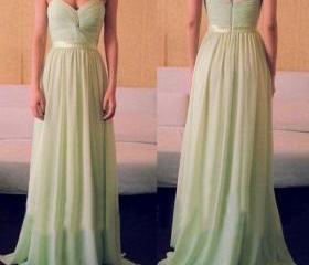 Light Green Bridesma..