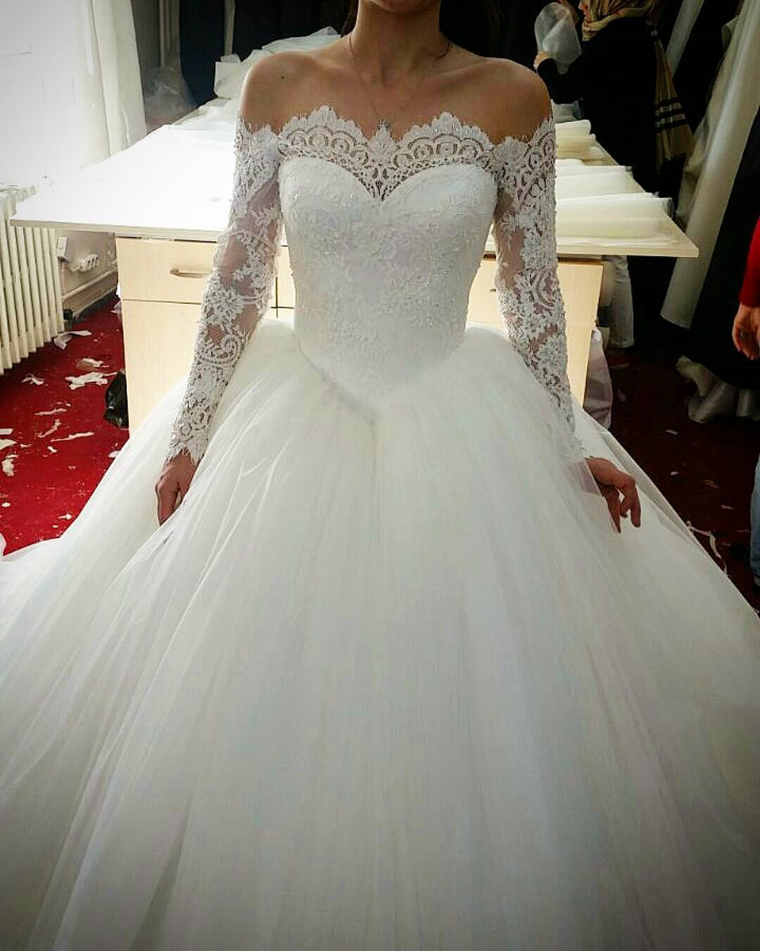 Lace Long Sleeves Tulle Ball Gowns Wedding Dresses Off The Shoulder Bridal Gown Prom Dress